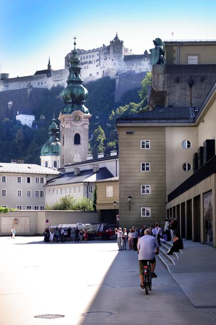 Blick auf die Stiftskirche Sankt Peter Salzburg