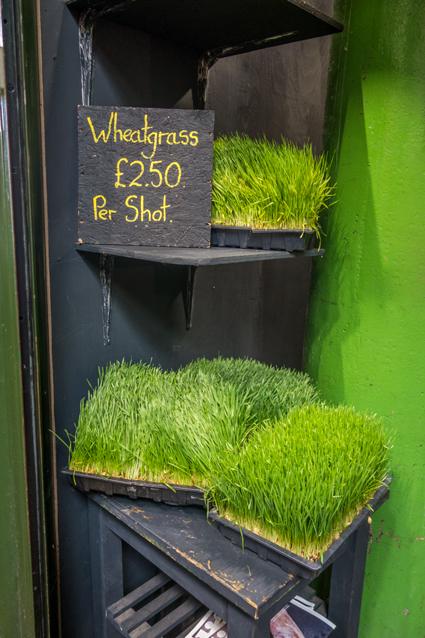 Stand mit Weizengras auf dem Borough Market London