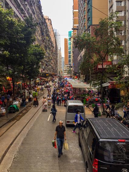 Hongkong-Straßenansicht mit Markt