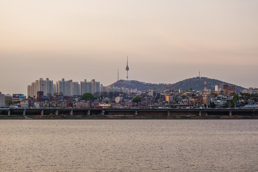 Seoul - Blick auf die Stadt am Abend