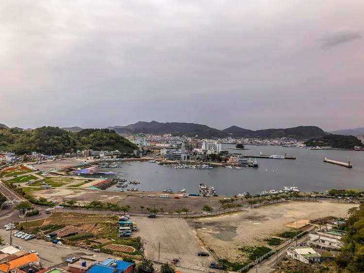 Tongyeong Südkorea, Blick vom Balkon unseres Hotels auf den Hafen von Tongyeong